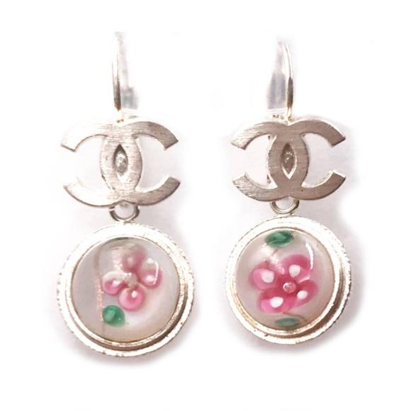 fd4de692bec8 CHANEL Jewelry   Silver Cc Flower Bead Lever Back Earrings   Poshmark